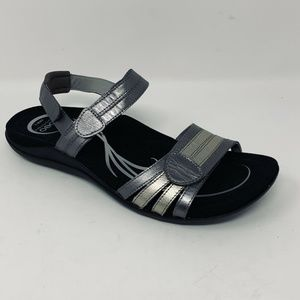 Abeo Brynn Metallic Pewter  Sandals US 8.5 Neutral
